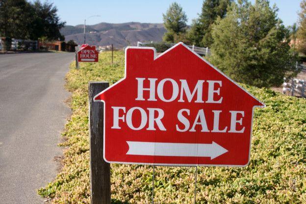 The Season for Tulsa Real Estate Signs